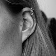 Gecko ear cuff on model